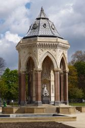 Angela-Burdett-Coutts-drinking-fountain-donated-to-Victoria-Park